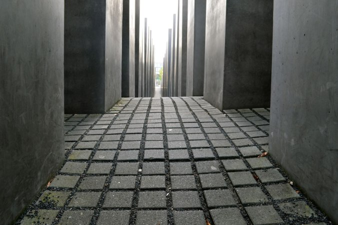 memorial-to-the-murdered-jews-of-europe-2-4e39cce035ccb450f8e4629f2943b76b